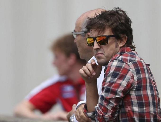"""Rossi VS Marquez, parola ai piloti di F1. Alonso: """"Cose tra di loro"""""""
