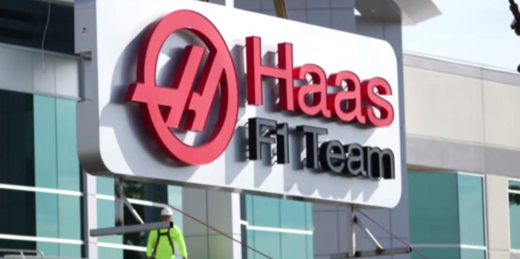 Alpinestars fornitore ufficiale del team Haas F1