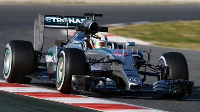 Mercedes supera le verifiche di crash test sul telaio della W07 Hybrid