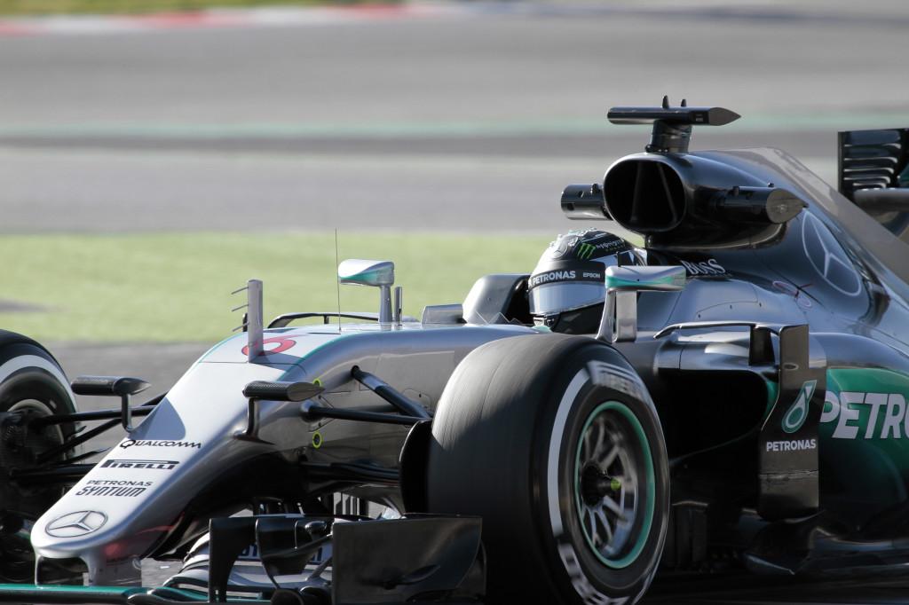 """Mercedes, quando Hybrid fa rima con hybris: """"Date più cavalli ai rivali, così ci annoiamo"""""""