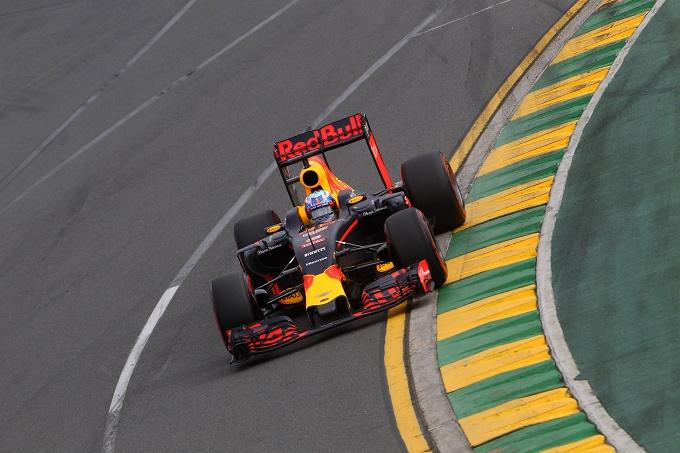 """Red Bull, Ricciardo rivela: """"In Canada la Renault porterà una PU evoluta"""""""