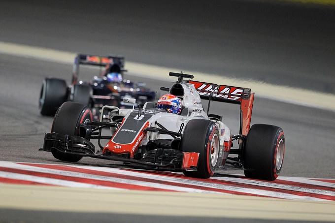 """Red Bull, Horner stuzzica il team Haas: """"Competitiva la Ferrari dello scorso anno"""""""