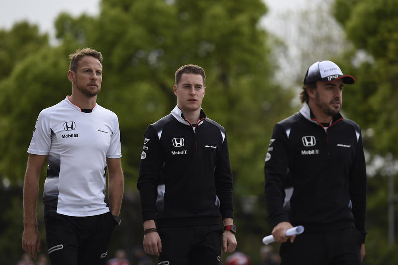 """McLaren, Alonso: """"Vandoorne ha un gran futuro davanti"""""""