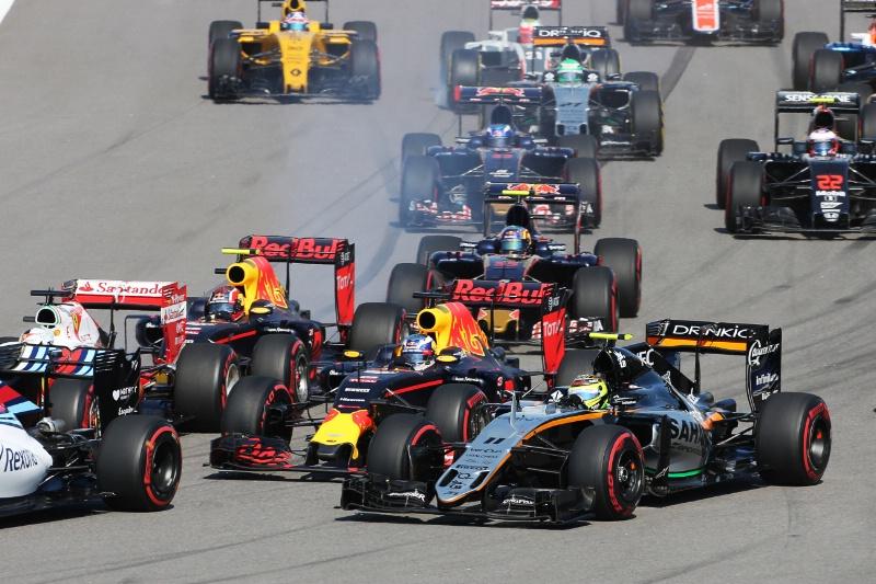 """Red Bull, Ricciardo contro Kvyat: """"Deve delle scuse a tanta gente"""""""