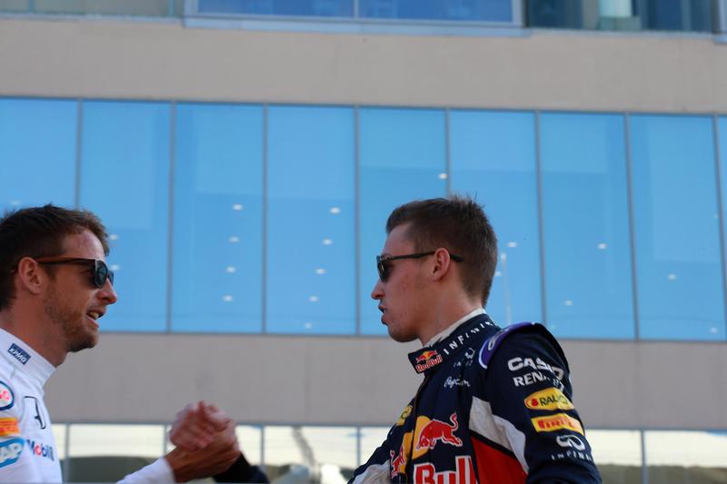 """Jenson Button dalla parte di Kvyat: """"Fuori dopo una gara storta…e il podio in Cina?"""""""