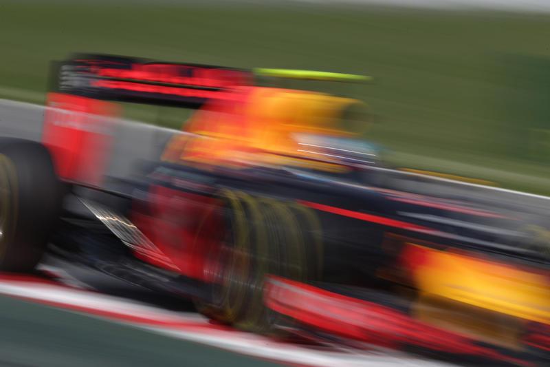 F1 GP Spagna: a 18 anni Verstappen vince e entra nella storia della F1