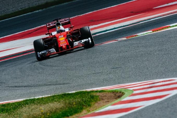 Test Ferrari a Barcellona: 103 giri e miglior tempo per Vettel