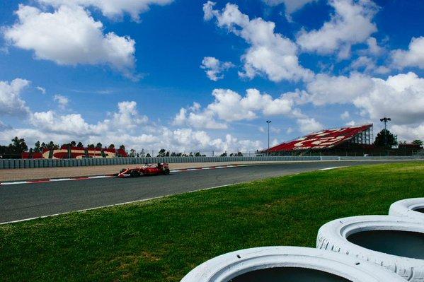 Test F1 Barcellona 3, Giorno 1: Vettel davanti a Rosberg