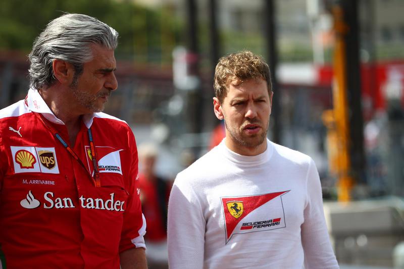 """Crisi Ferrari, dagli """"esoneri"""" alle condanne a Vettel e Raikkonen: un modo di pensare sbagliato"""