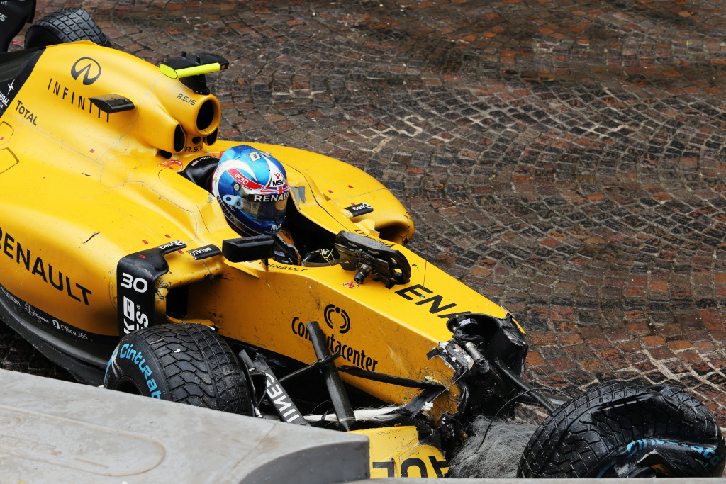 La FIA indaga sullo chassis Renault dopo l'incidente di Palmer a Montecarlo