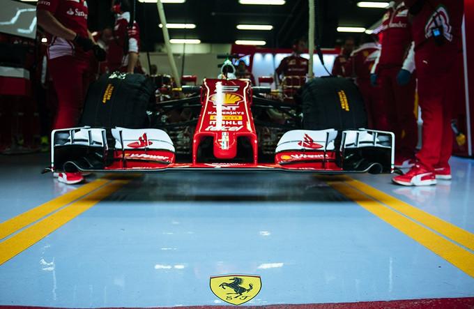 Ferrari: Vettel e il suo ingegnere di pista scoprono il nuovo circuito cittadino di Baku [VIDEO]