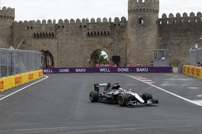 """Hamilton: """"I piloti di F1 si lamentano troppo e di troppe cose"""""""