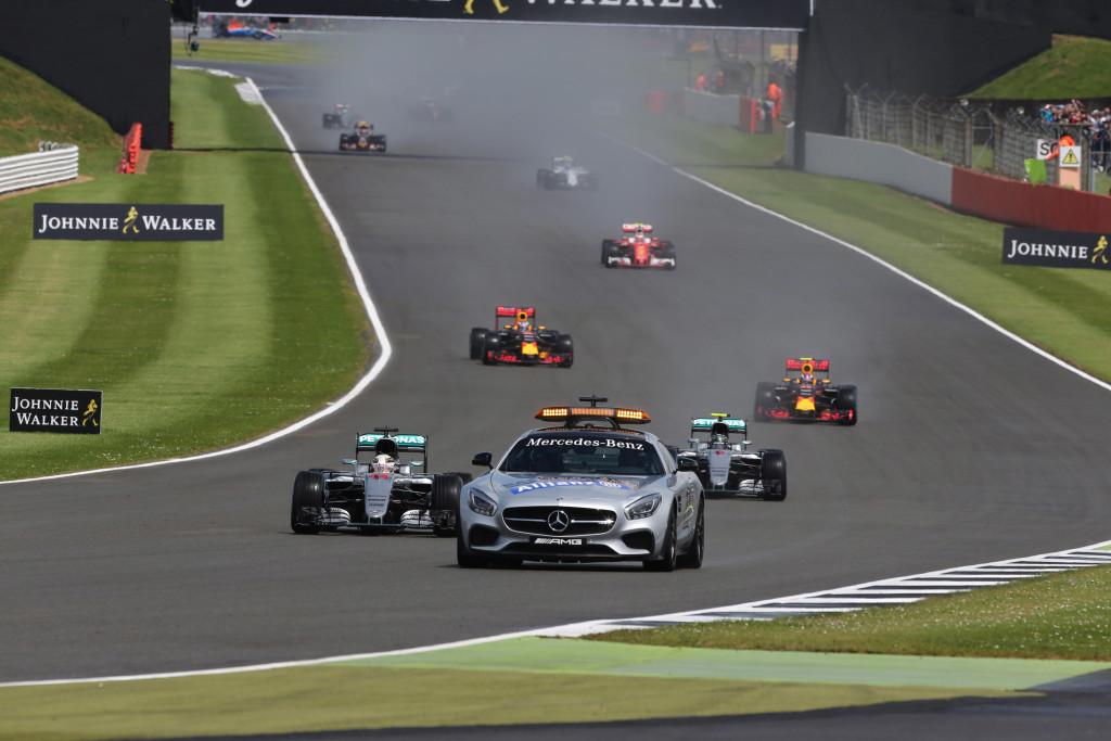 GP Gran Bretagna – Silverstone mette a nudo FIA e Ferrari, Lewis profeta in casa, Verstappen fenomeno
