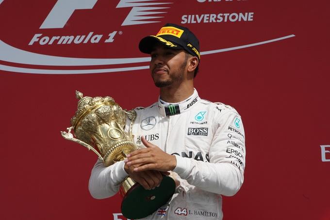 """Hamilton: """"Non penso ai record di Schumacher"""""""