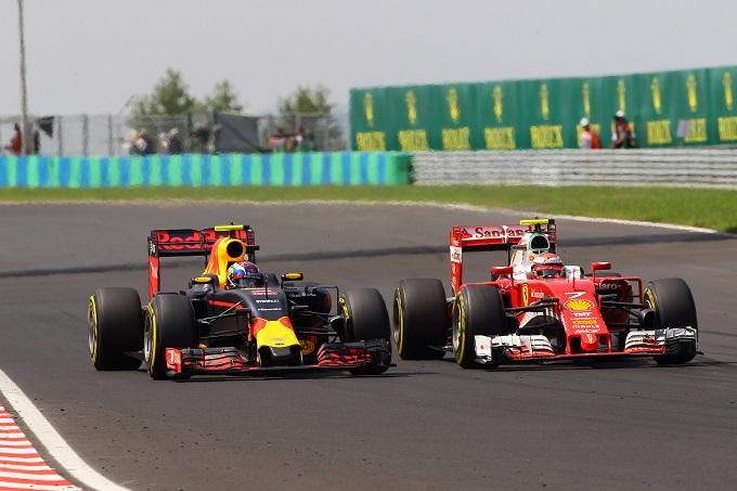 """Vettel su Verstappen: """"Max aggressivo in pista, placherà la sua indole in futuro"""""""