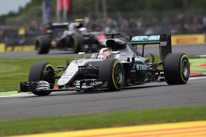 F1 GP Gran Bretagna: Hamilton in pole davanti a Rosberg