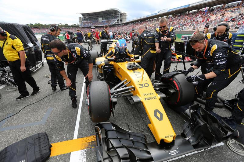 """Renault, Palmer si difende: """"Adesso sto guidando veramente bene"""""""