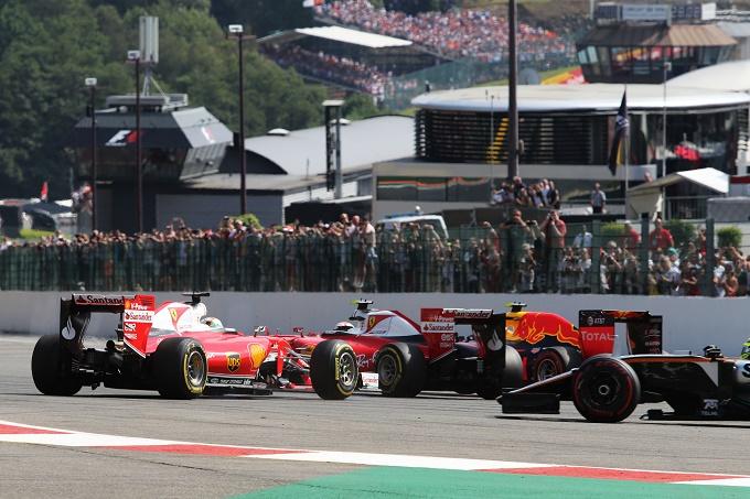 """Gp del Belgio, Verstappen: """"Raikkonen e Vettel dovrebbero vergognarsi"""""""