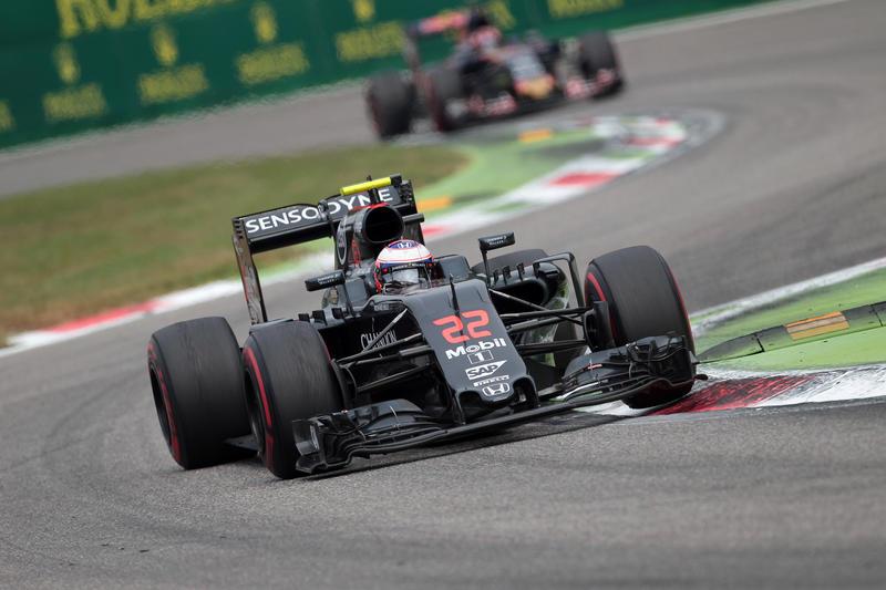 """Jenson Button: """"Ho la possibilità di correre altrove nel 2017"""""""