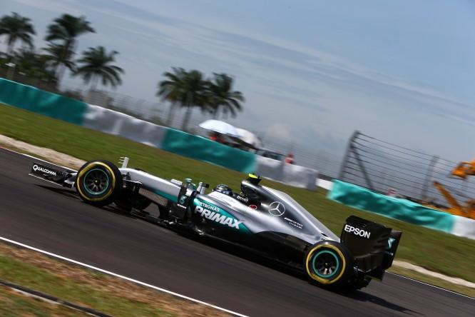 """Pirelli, Hembery: """"Il nuovo asfalto in Malesia sembra essere più veloce"""""""