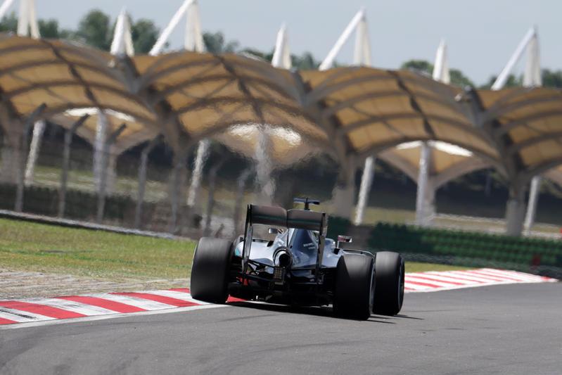 F1 GP Malesia, Prove Libere 2: Hamilton davanti a Rosberg