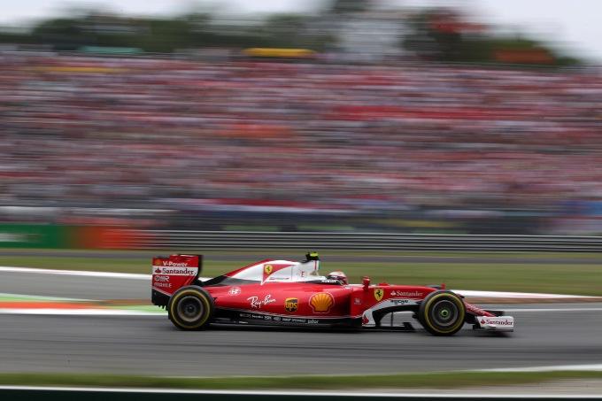 """Raikkonen: """"In gara Ferrari più vicine alle Mercedes"""""""
