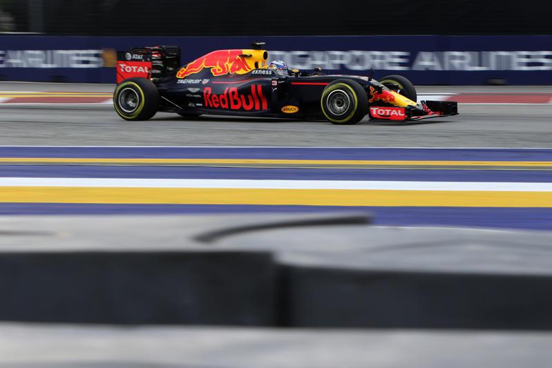 """Daniel Ricciardo: """"L'obiettivo era la prima fila; contento di avere superato almeno una Mercedes"""""""