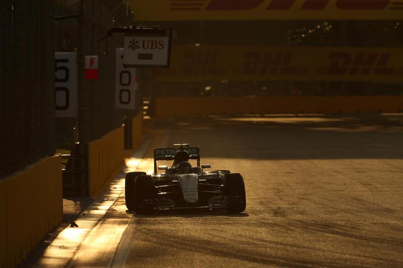 F1 GP Singapore, Prove Libere 3: Rosberg si conferma il più veloce