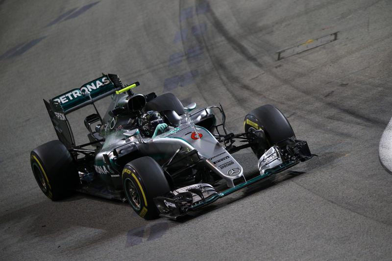 F1 GP Singapore, Qualifiche: missile Rosberg, la pole è sua
