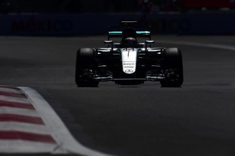 F1 GP Messico: Hamilton eguaglia Prost, Rosberg ancora secondo