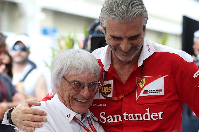 """La bomba di Ecclestone: """"In futuro Mercedes e Ferrari potrebbero lasciare la F1"""""""