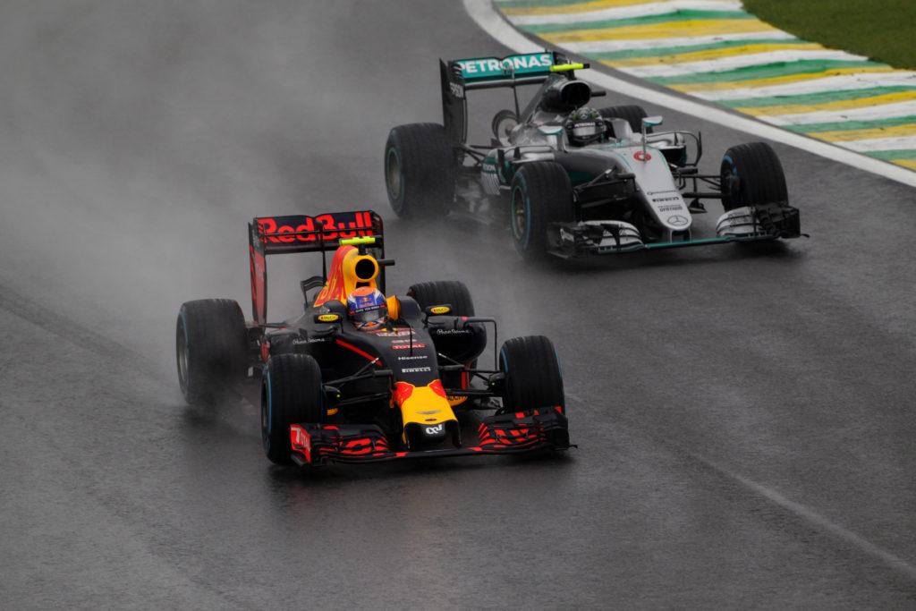 GP Brasile – Nell'anarchia paulista splende la stella di Max Verstappen, è l'inizio di un'era? [VIDEO]
