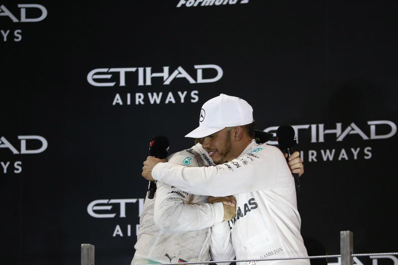 """Lewis Hamilton: """"Oggi era tra me e Nico ma il team ha voluto comunque interferire"""""""