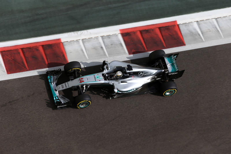 F1 GP Abu Dhabi, Prove Libere 2: Hamilton ancora inseguito da Rosberg