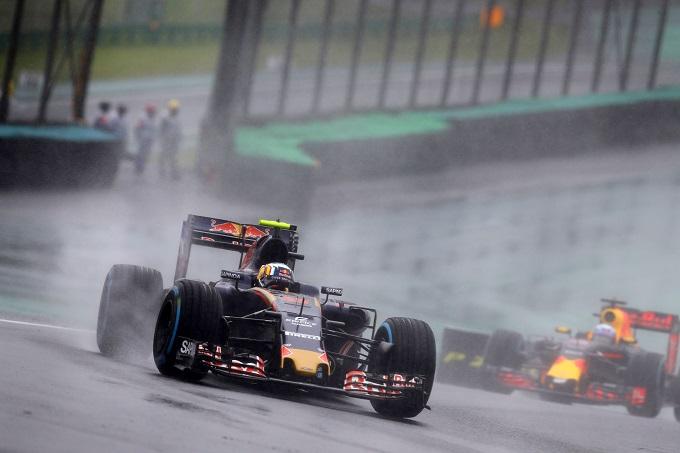"""GP Brasile, Carlos Sainz: """"Finire sesto dopo essere partito quindicesimo è semplicemente straordinario."""""""
