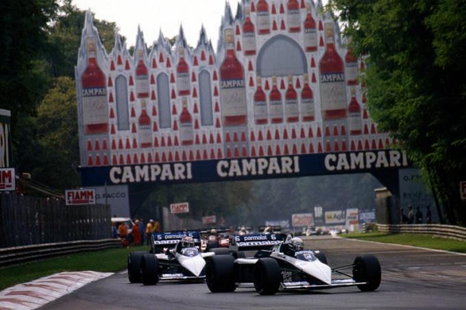 F1 | Monza, demolito il ponte Dunlop