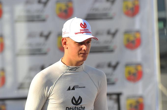 """Mick Schumacher: """"Mio padre è il mio idolo, voglio diventare campione del mondo in F1"""""""