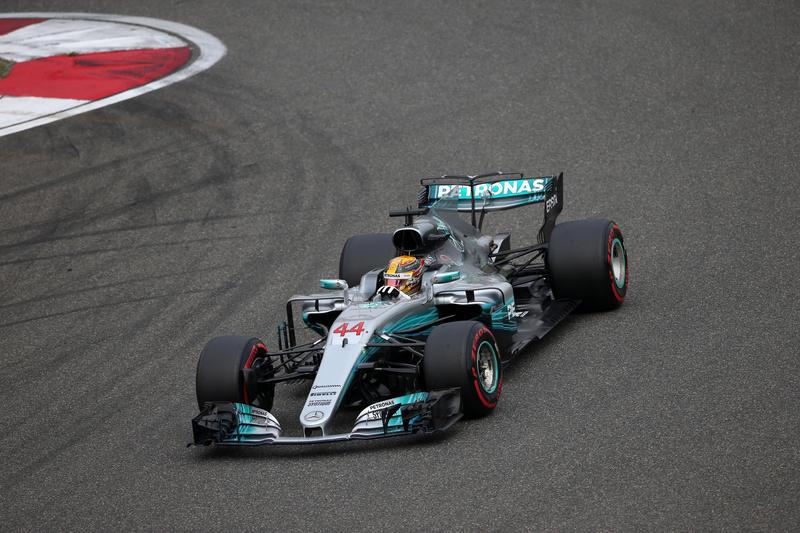 F1 GP Cina: Quinta vittoria a Shanghai per Lewis Hamilton