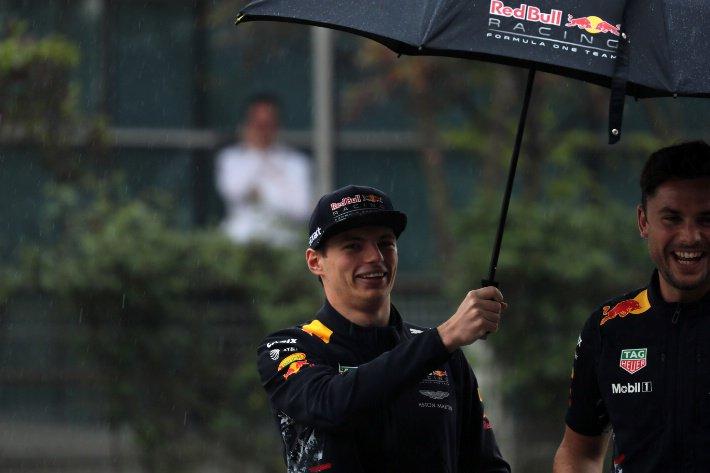F1 GP Cina, Prove Libere 1: Sessione interrotta per il maltempo, Verstappen davanti