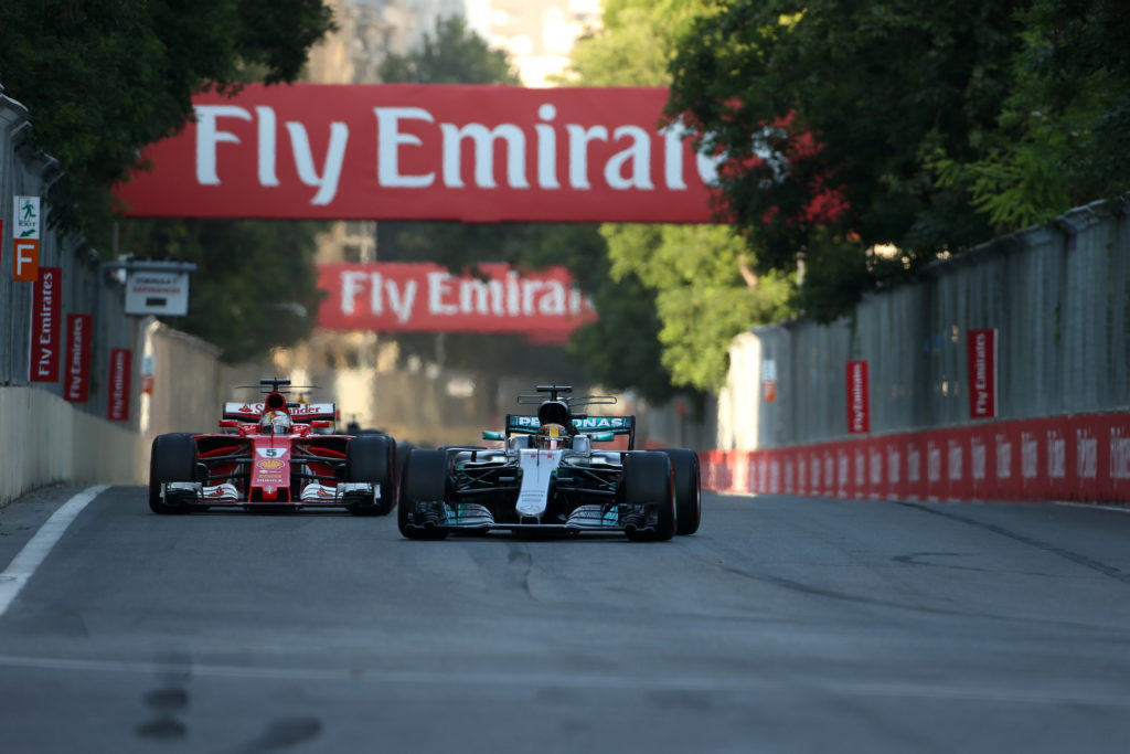 F1 | GP Azerbaijan: il video dell'incidente tra Vettel e Hamilton
