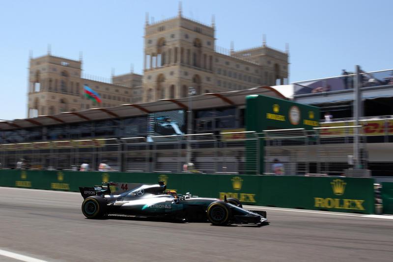 F1 GP Azerbaijan, Qualifiche: Hamilton poleman a Baku