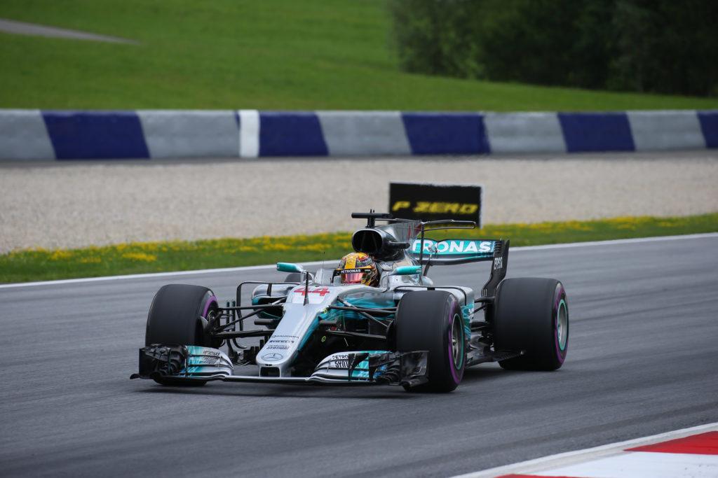 """F1   """"Il cambio di Hamilton non è stato danneggiato dal contatto con Vettel"""""""