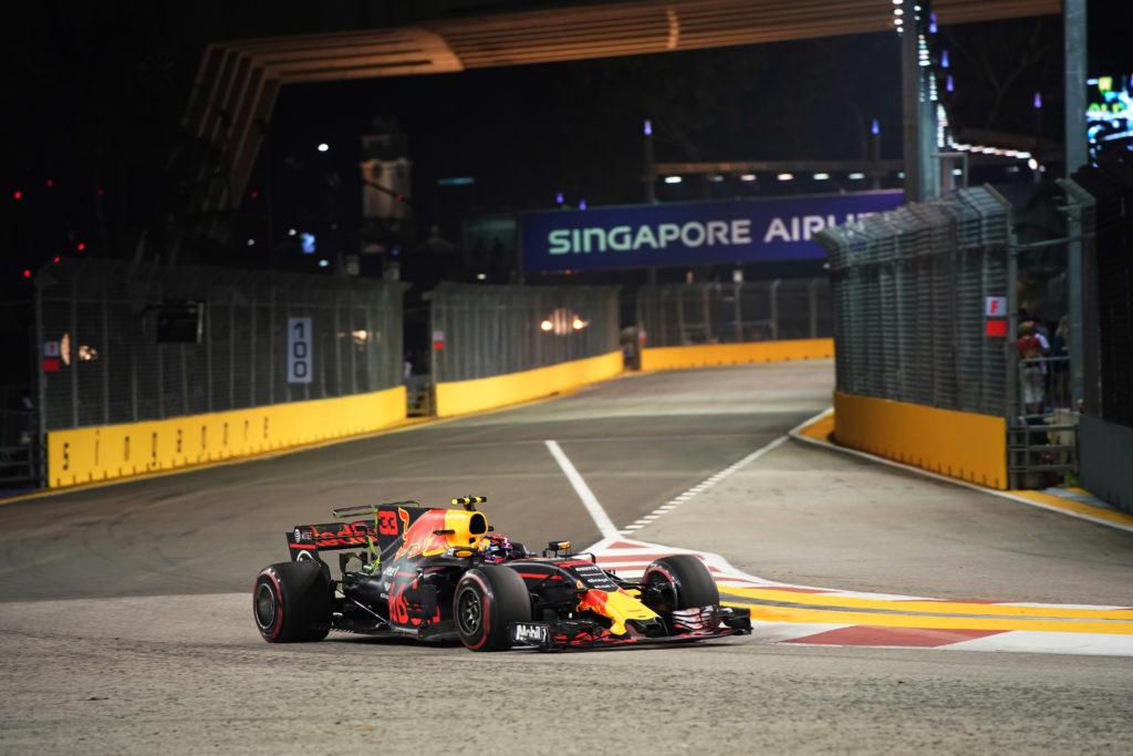 F1 GP Singapore, Prove Libere 3: Verstappen al comando, migliorano Vettel e la Ferrari