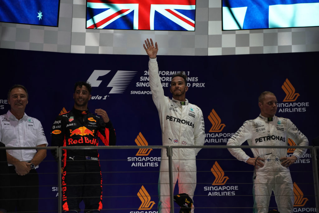 Pagelle GP Singapore – Hamilton vola sul bagnato, Vettel ingenuo, Verstappen spudorato