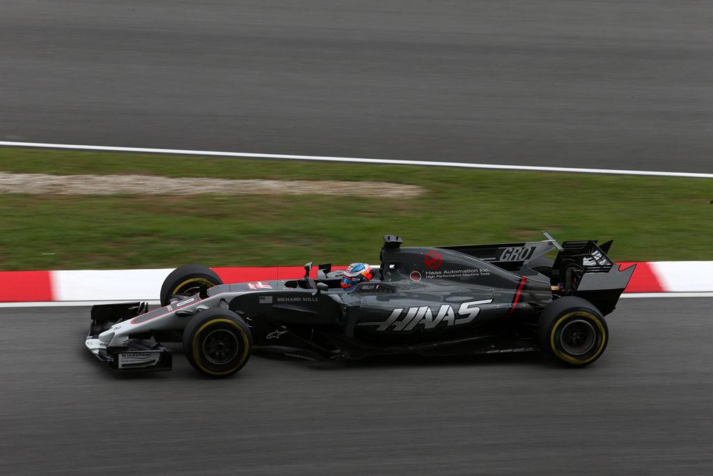 F1 | Piccola vittoria per la Haas: Sepang risarcirà i danni causati dal tombino
