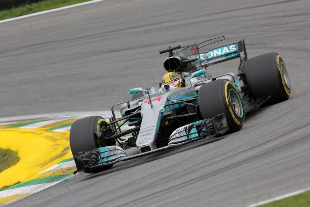"""Hamilton, la responsabilità del campione: dalla rimonta """"vintage"""" all'allarme sui tre motori del 2018…"""
