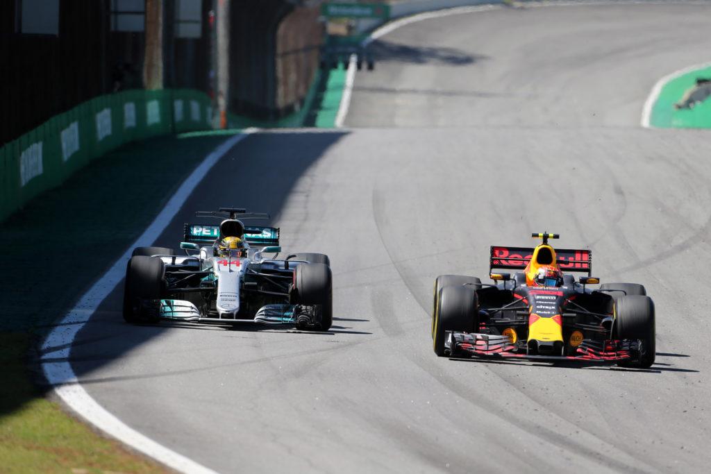 """Formula 1   Continua il """"matrimonio"""" tra Hamilton e la Mercedes: nuovo accordo da 150 milioni in tre anni"""