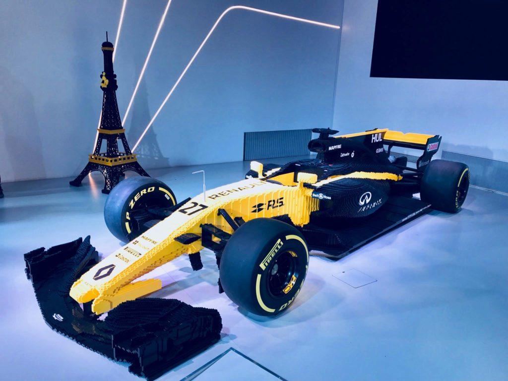 F1 | Renault festeggia 40 anni in Formula 1 con una macchina fatta di LEGO
