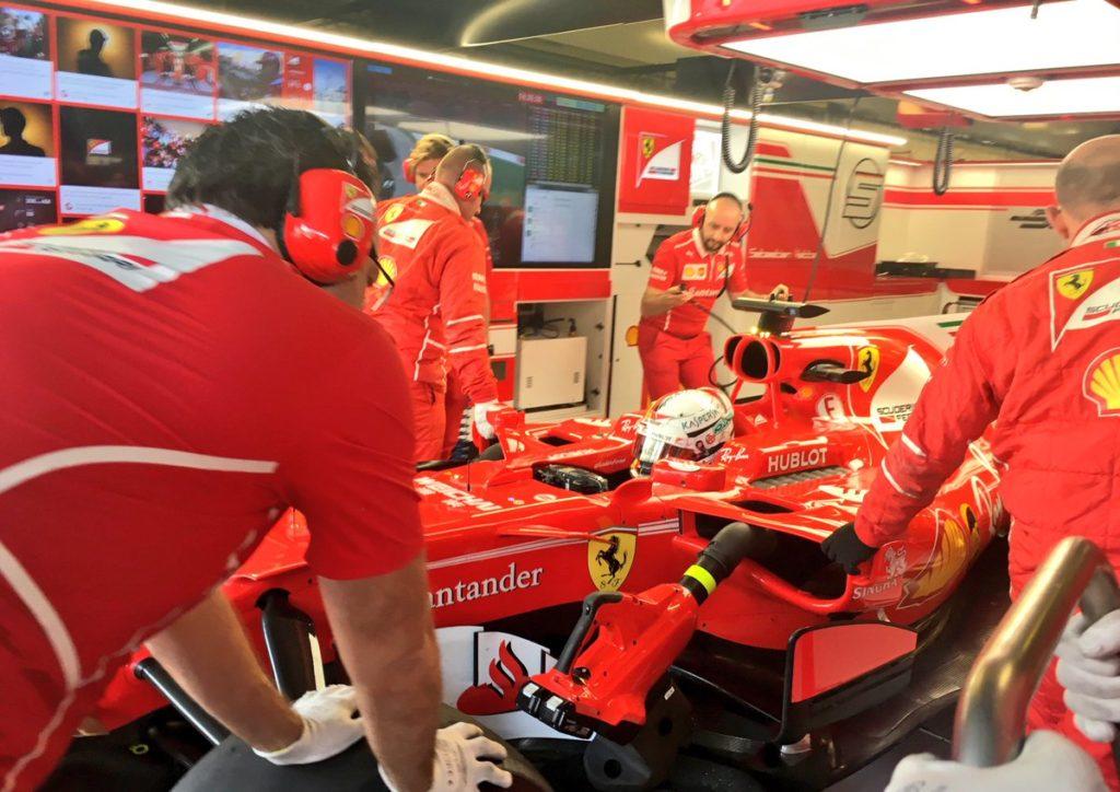 F1 GP Abu Dhabi, Prove Libere 1: Vettel detta il passo al mattino