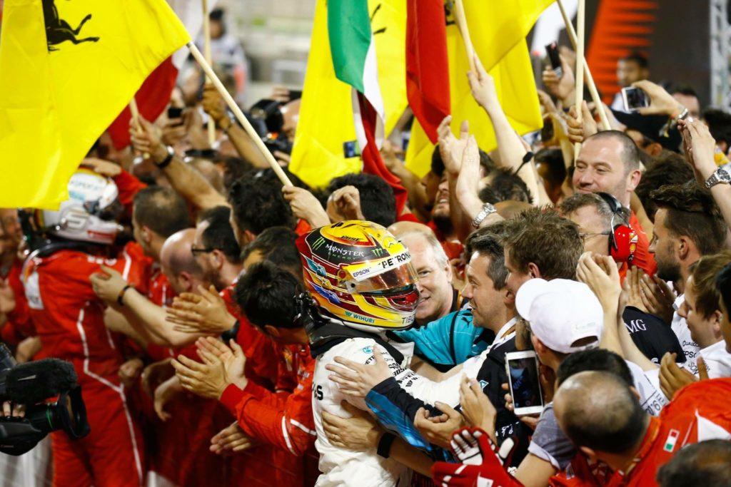 """F1   Mercedes, Costa elogia Hamilton: """"Miglior stagione da quando corre con noi"""""""